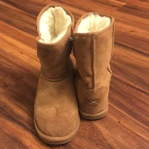 Emu Rosie Button Wool Boots